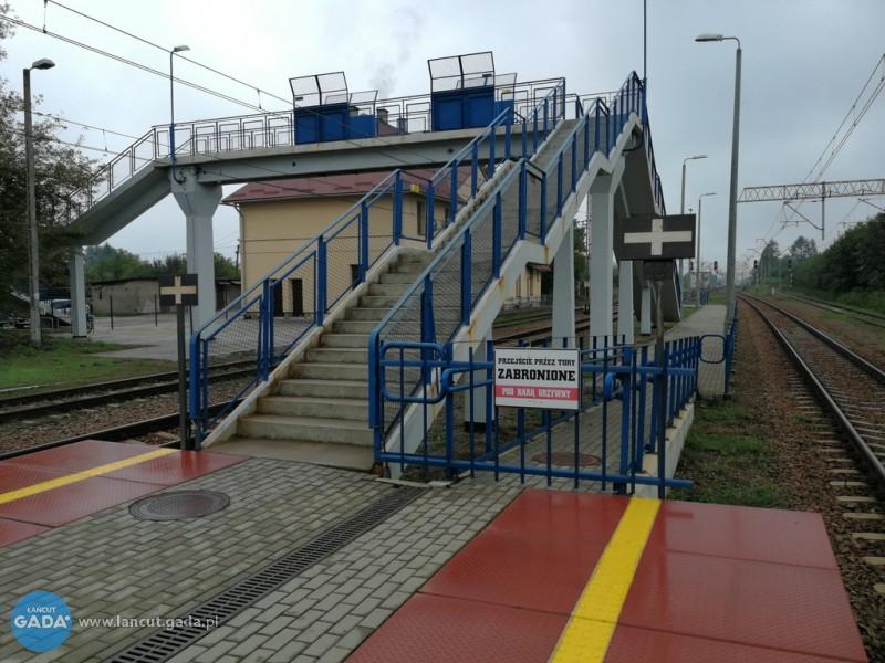 Zaspawane przejście na peron