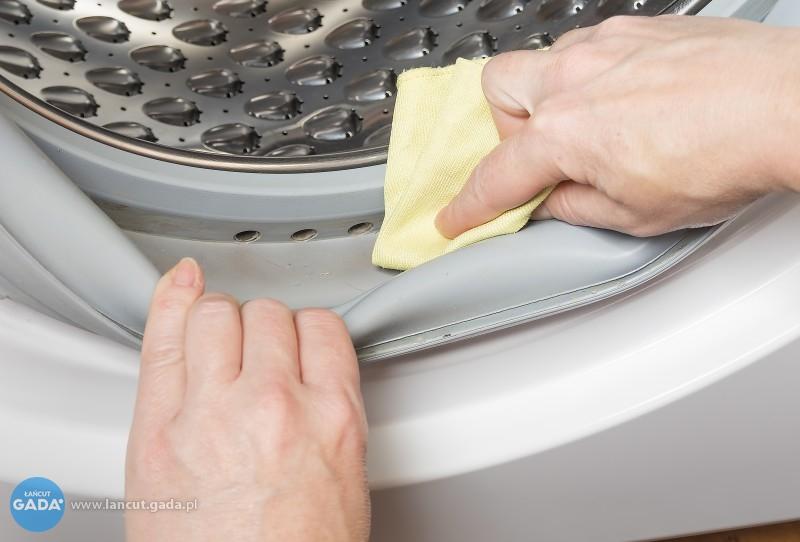 Czym czyścić pralkę? Przegląd domowych iprofesjonalnych środków do mycia