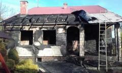 Ogień zabrał im dach nad głową