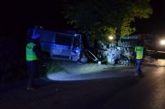 Zderzenie ciągnika zpolicyjnym busem