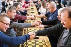 Rywalizowało 185 szachistów