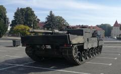 Czołg Leopard na łańcuckim rynku
