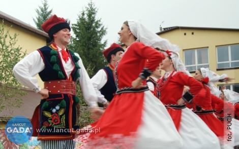 Polskie tańce wwykonaniu światowych zespołów!