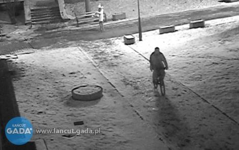 Złodziej roweru poszukiwany [WIDEO]