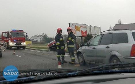 Zderzenie wKraczkowej zudziałem trzech samochodów