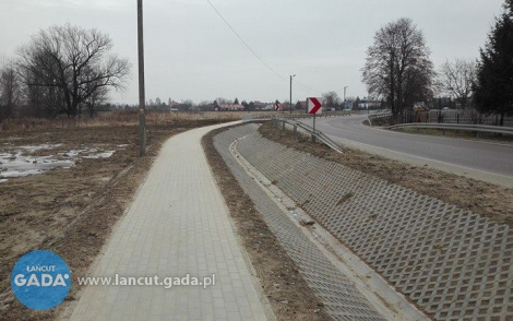 Budowa chodnika wWoli Małej zakończona