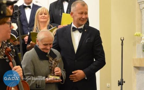 Józefa Kogut zNagrodą Starosty