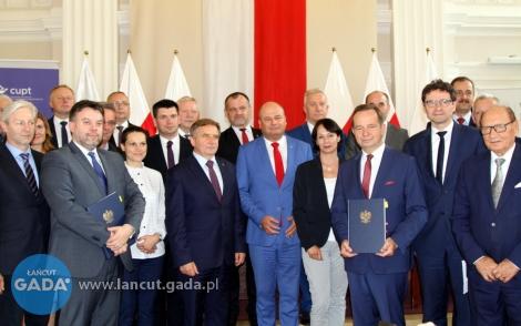 208 mln zł na rozwój kolei