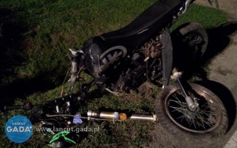 Pijany nastolatek wpadł na betonowy przepust