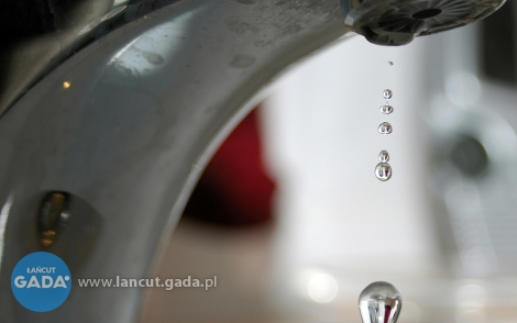 Brak wody wdomach