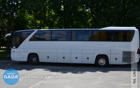 Ty lub Twoje dziecko podróżujecie autobusem? Sprawdź, czy jest on bezpieczny!